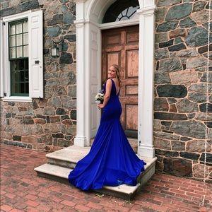 Jiovani long royal blue prom dress